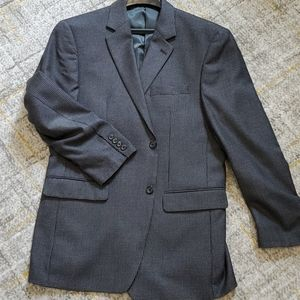 Size 40R charcoal/black hound tooth sport coat